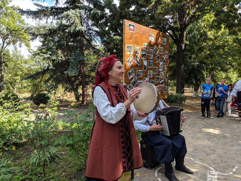 С песнями, фейерверком и плетением венков: в Сковородиновке отгуляли Ивана Купала
