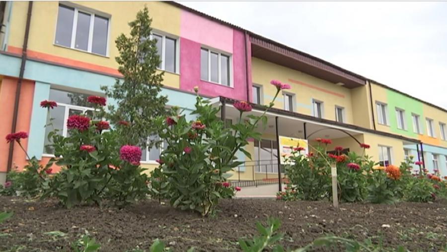 У селищі Близнюки вже у грудні відкриють новий дитсадок (відео)