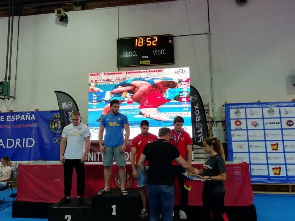 Харьковские борцы выиграли международные турниры