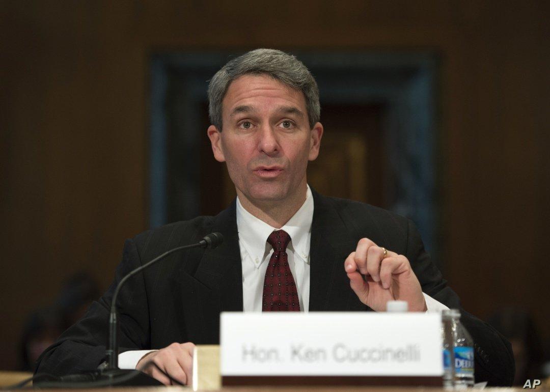 США ужесточают требования к претендентам на грин-карт