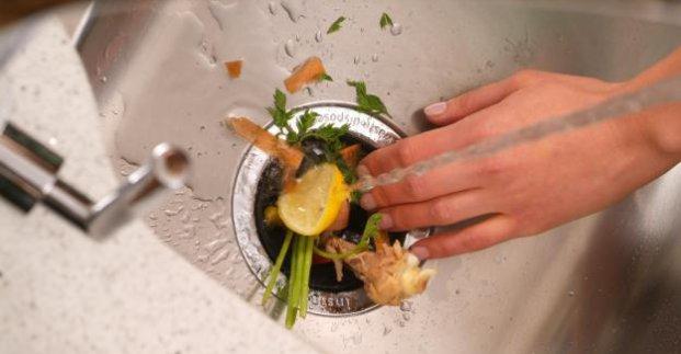Харьковчан просят не спускать в канализацию пищевые отходы