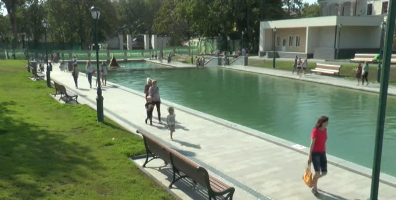 На облаштування озера у саду Шевченка знов оголосили тендер (відео)