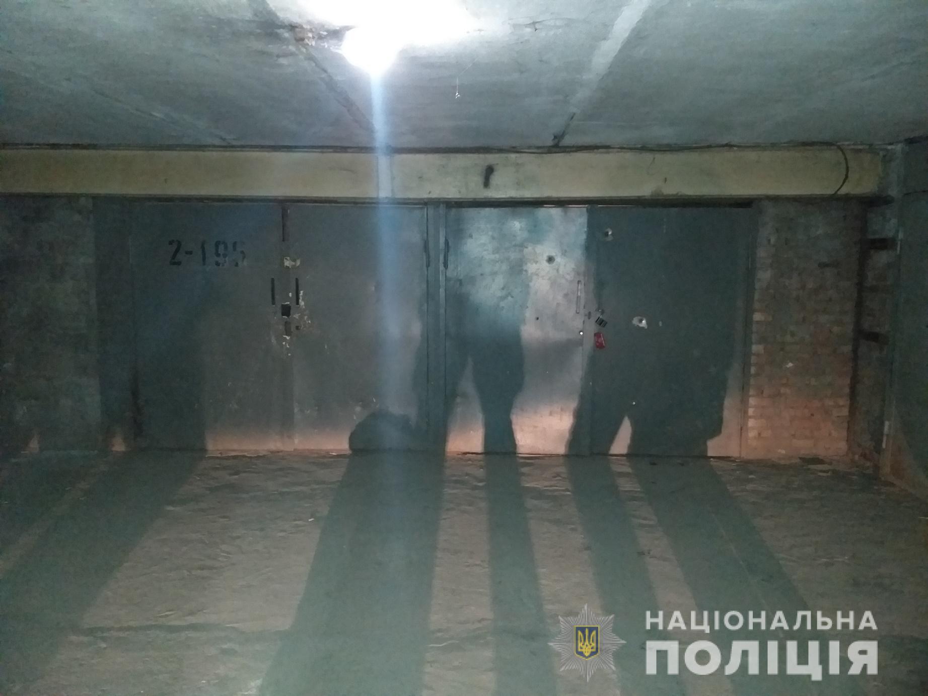 На Салтовке обстреляли гараж (фото)