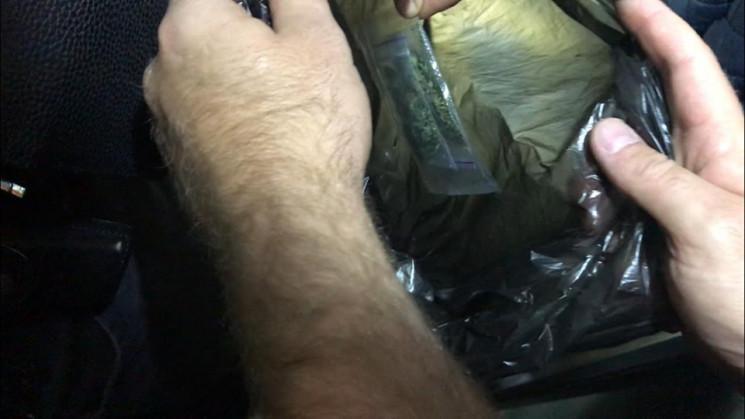 В Харькове в поезде нашли наркотики