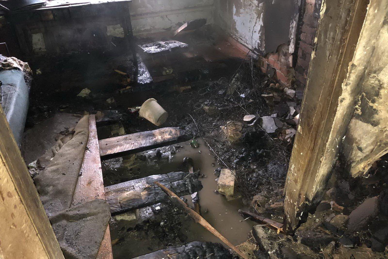 Спасаясь от огня, житель Харьковщины погиб на пороге своего дома
