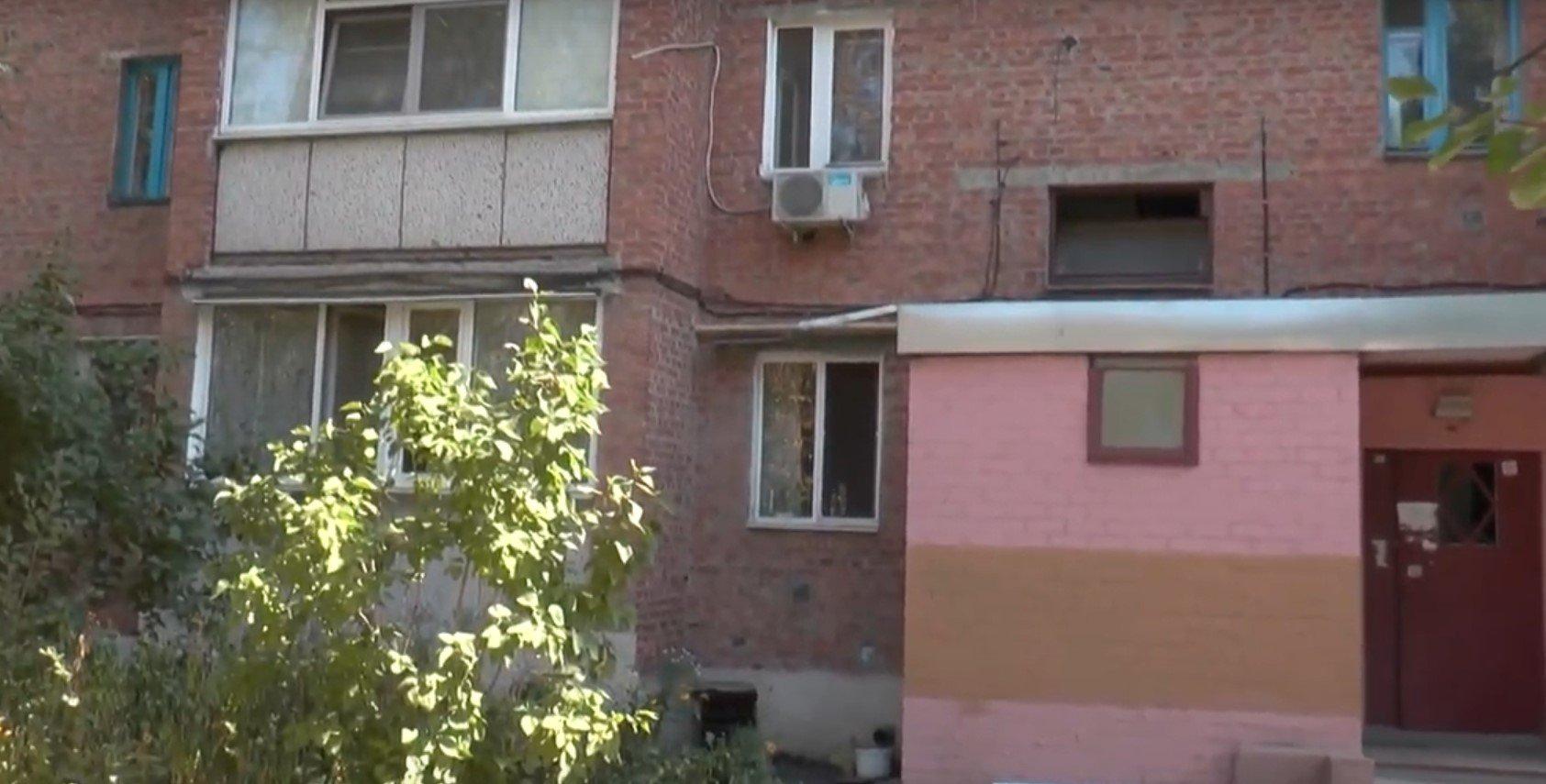 Подробиці падіння харків'янки з четвертого поверху (відео)