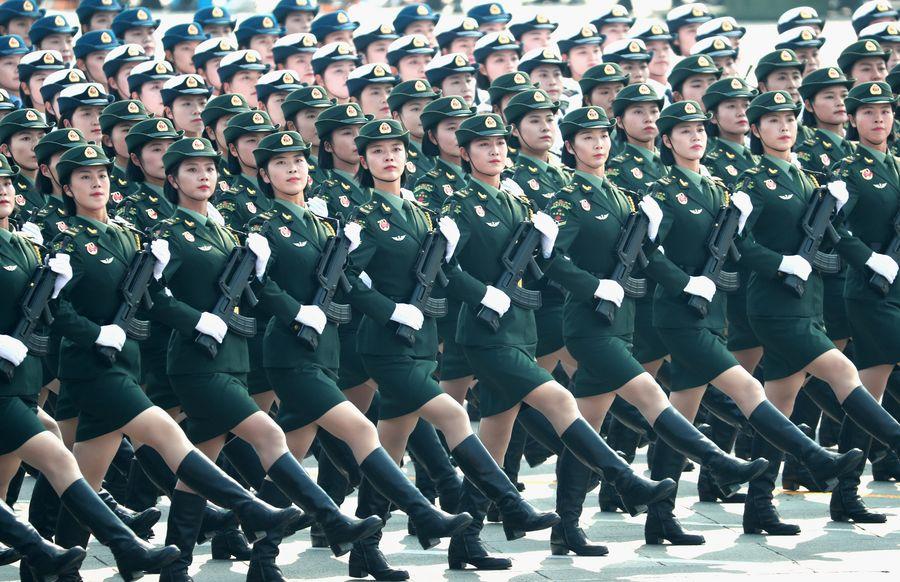 В Пекине прошел грандиозный военный парад к 70-летию образования КНР (видео, фото)