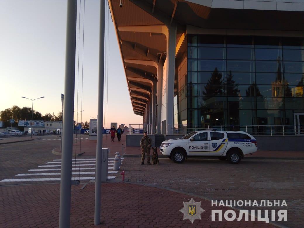 Полиция не обнаружила взрывчатку на ключевых транспортных коммуникациях Харькова