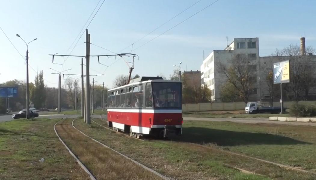 У Харкові вже вчетверте за місяць кинули каміння у трамвай (відео)