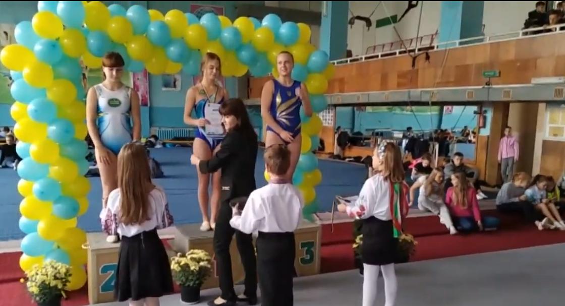 Харківські акробати здобули повний комплект нагород на всеукраїнських змаганнях (відео)