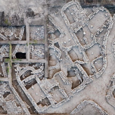 Израильские археологи раскопали самое древнее и большое поселение (фото)