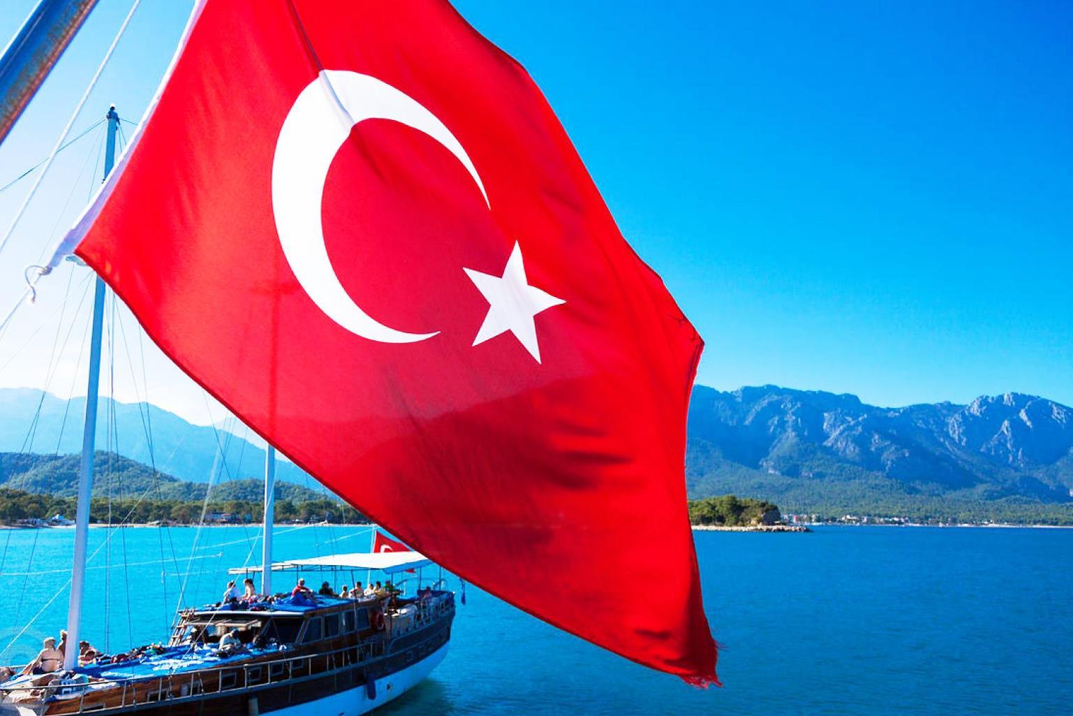 Президент Зеленский призвал украинцев поддержать Турцию и наращивать поток туристов