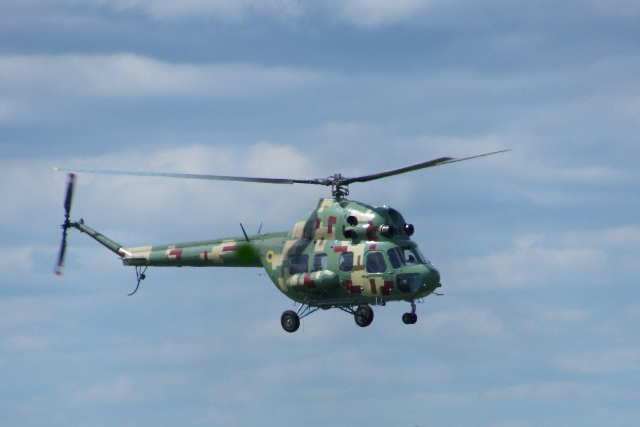 Курсанты-вертолетчики проходят первую летную практику