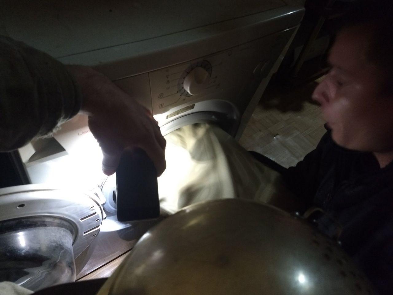 На Харьковщине маленький мальчик застрял в стиральной машине (фото)