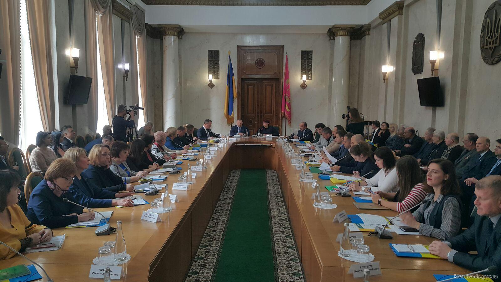 Честный прожиточный минимум в Украине может быть установлен в 4251 гривну