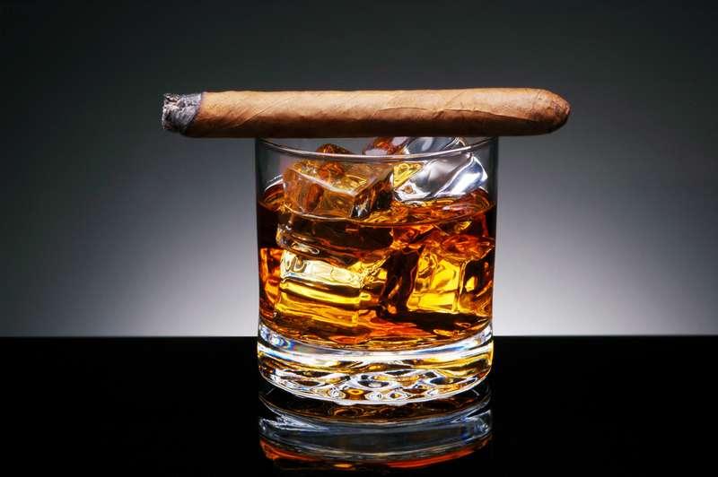 """Правительство отменяет """"льготы"""" для Е-сигарет и кальянов"""