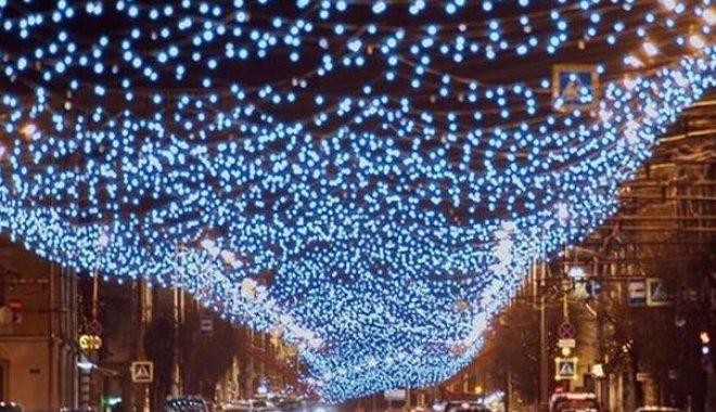 На ул. Пушкинской также сделают праздничную иллюминацию. Она будет стоит 17 млн грн