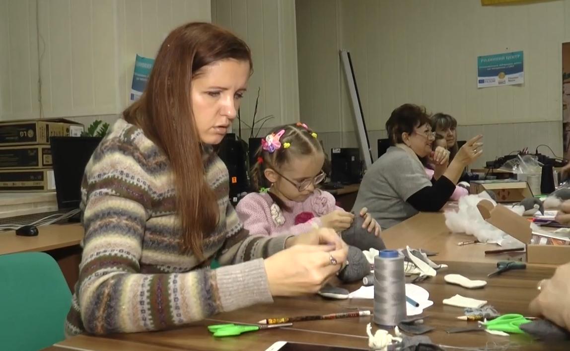 У Харкові з'явився проєкт для жінок з дітьми, які опинилися у складних життєвих обставинах (відео)