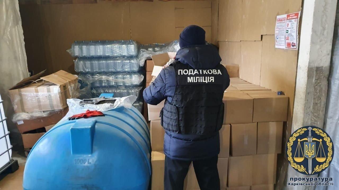 В Харькове прекращено незаконное изготовление и сбыт алкогольных напитков (фото)