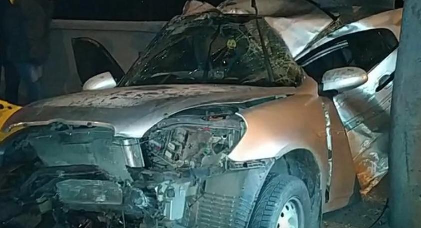 На Московському проспекті водій не впорався з керуванням та в'їхав у стовп (відео)