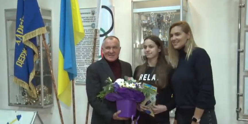 Яна Клочкова відвідала спортивне училище, в якому навчалася (відео)
