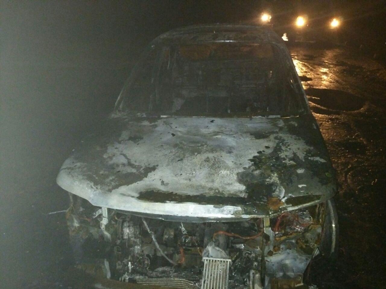 В Харькове сгорел Land Rover, не исключен поджог (фото)