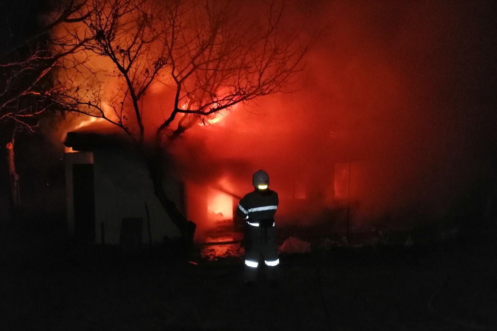 На сгоревшей даче обнаружен мертвый человек (фото)