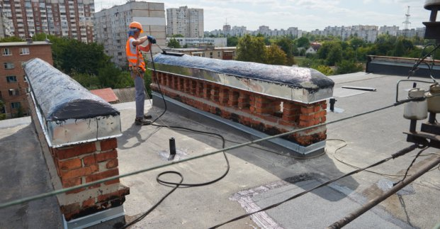 Городские власти отчитались о ремонте крыш в 2019 году