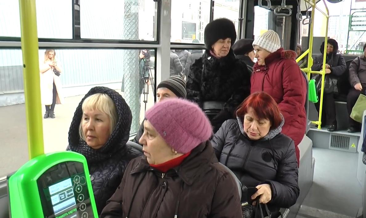 На Північній Салтівці відкрили нову тролейбусну лінію (відео)