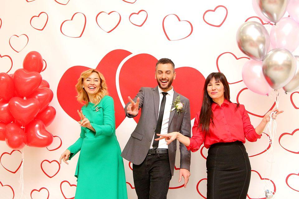 День святого Валентина. Две тысячи влюбленных хотят в этот день пожениться