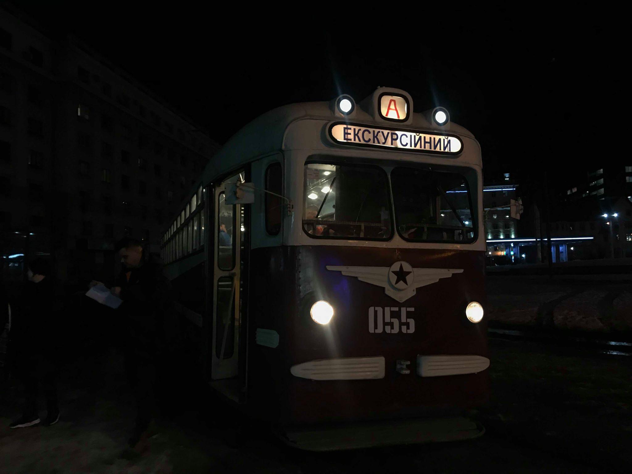 В Харькове ездит романтический ретро-трамвай (фоторепортаж)