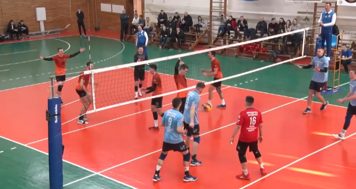 Харківський волейболіст освідчився в коханні перед матчем (відео)