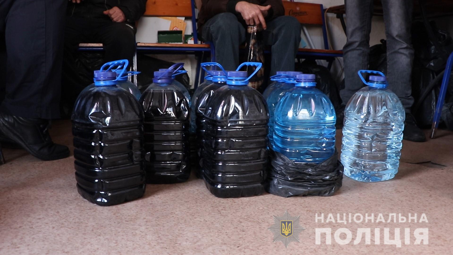 169 литров незаконного алкоголя было изъято полицией Харькова (фото)