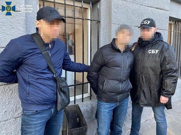 Военного медика поймали на взятке в Харькове (фото)