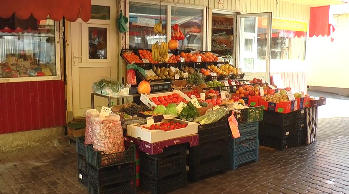 Продуктовим ринкам заборонили працювати: чи дотримуються постанови у Харкові (відео)