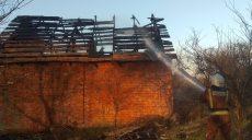 На Харьковщине сгорел частный дом (фото)