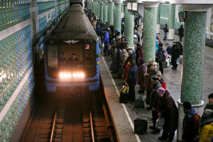 В ночь з 31 декабря на 1 января городской транспорт будет работать дольше
