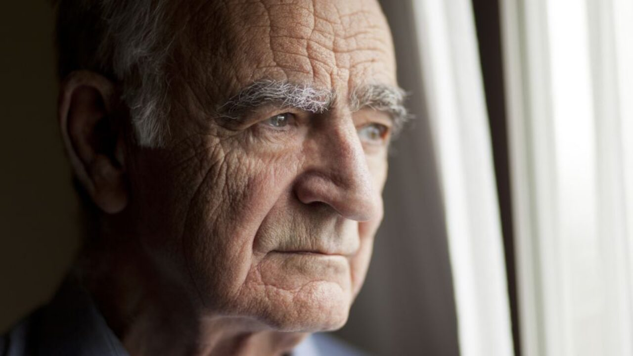 На период карантина пенсионеры должны сидеть дома: разъяснения Кабмина об ограничениях