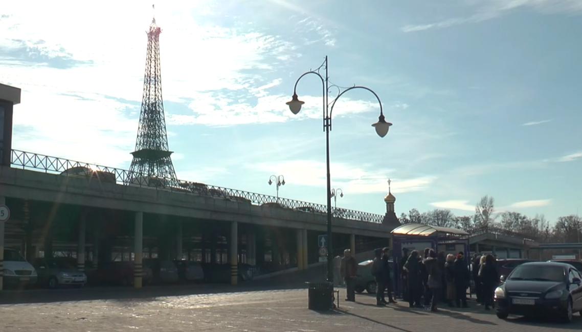 """У ТРЦ """"Французький бульвар"""" заявили про рейдерське захоплення (відео)"""