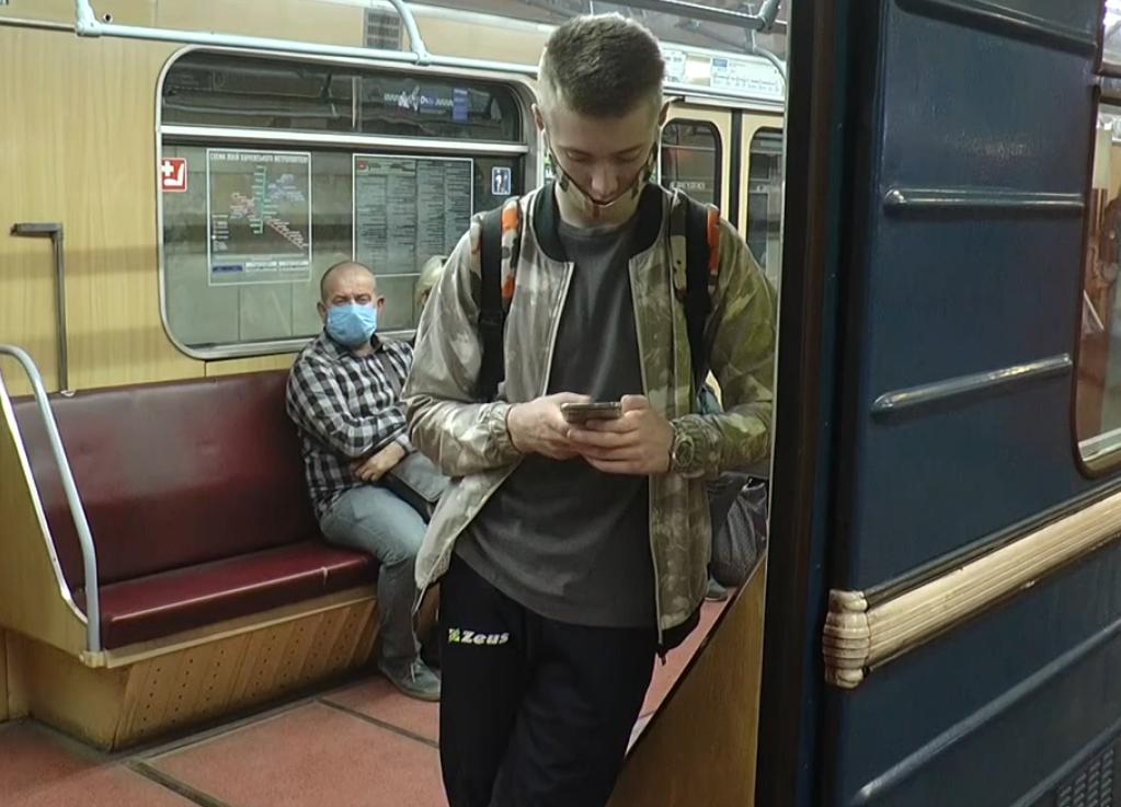 Перший день з підземкою: у Харкові після послаблення карантину запрацювало метро (відео)