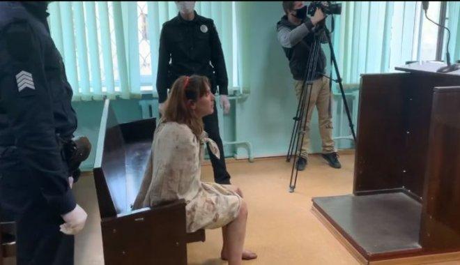 Носила голову ребенка в пакете: суд направил подозреваемую на экспертизу в Днепр