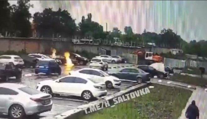В Харькове подожгли автомобиль Lanos