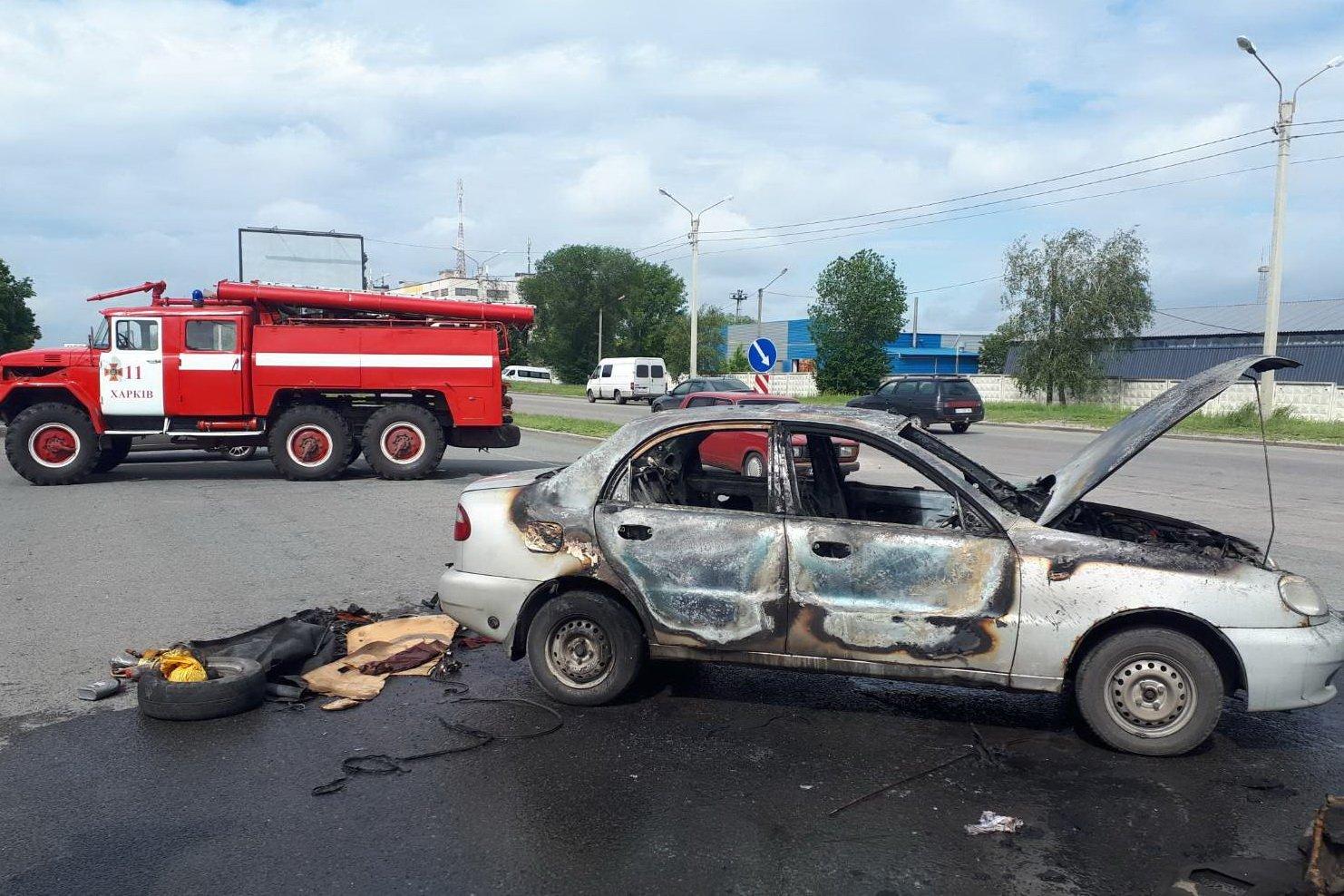 В Слободском районе спасатели ликвидировали пожар в автомобиле (фото)