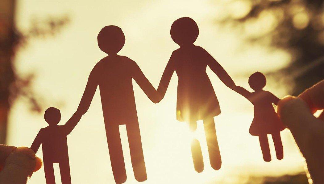 """""""Люди не привыкли в семьях общаться нон-стоп"""", – Юлия Головкина о методах психологической самопомощи"""