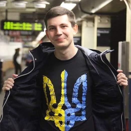 В Беларуси силовики обыскали квартиру и задержали независимого блогера Игоря Лосика