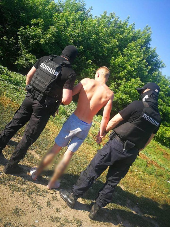 В покушении на убийство полиция Харьковщины разоблачила 20-летнего харьковчанина (фото)