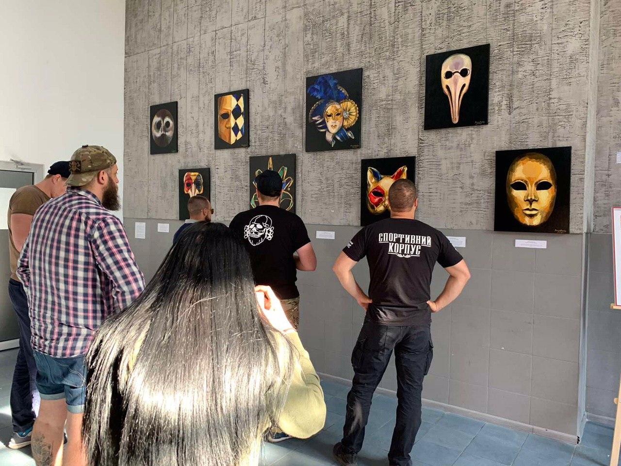 """""""Карантинопис або мистецтво в масці"""" – у Харкові відкрили потрійну виставку (фото)"""