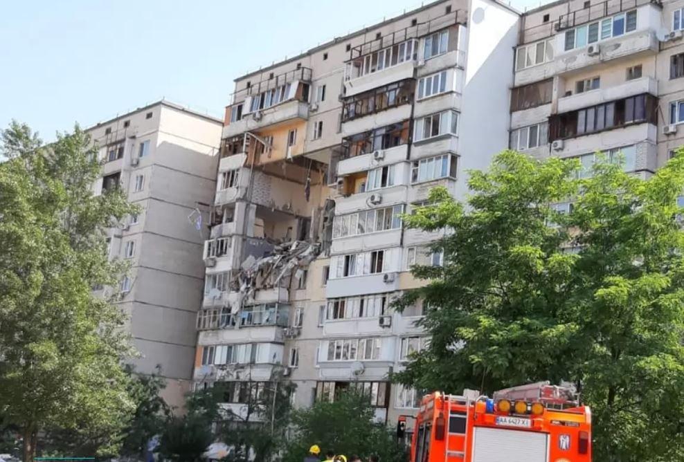 Взрыв дома в Киеве: число погибших выросло до 3 человек