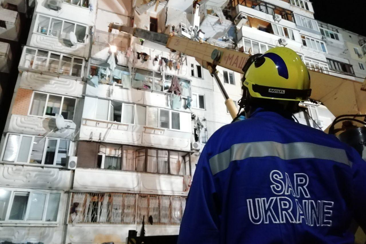 Жильцам разрушенной многоэтажки в Киеве пообещали оплатить новое жилье