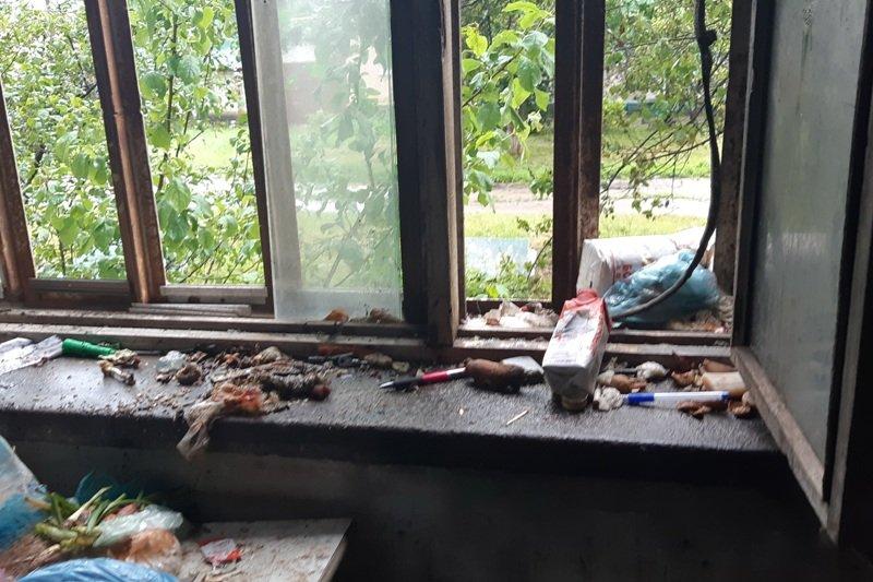 В Харькове на пожаре в многоэтажке спасли мужчину